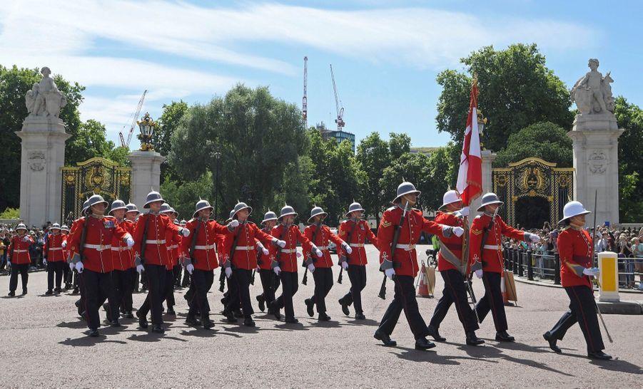 La Capitaine De La Garde De La Reine Elizabeth II, Megan Couto 3