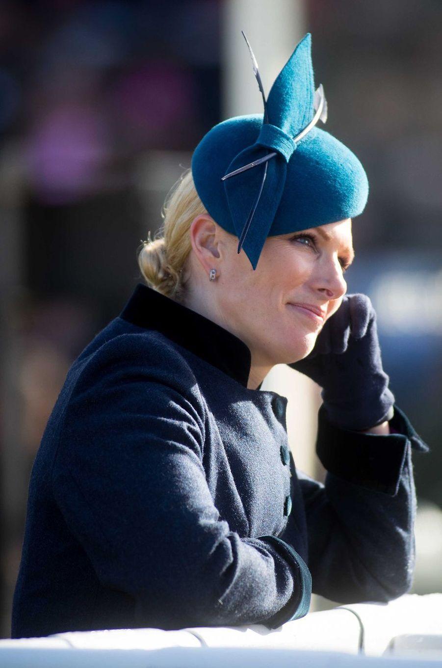 Le chapeau de Zara Phillips au Cheltenham Festival, le 12 mars 2019
