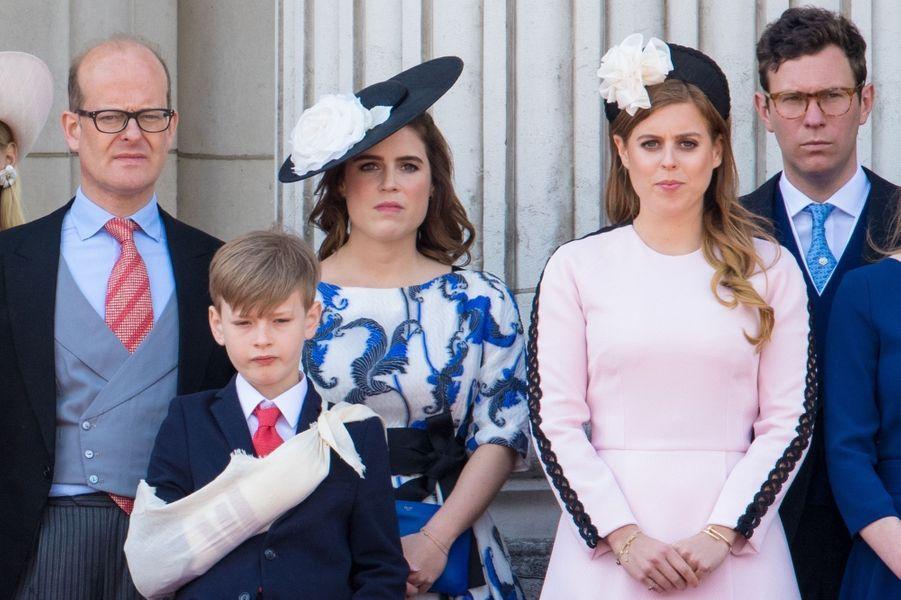 """La princesse Beatrice d'York, portant son bracelet """"Juste un clou"""" de Cartier, le 8 juin 2019"""