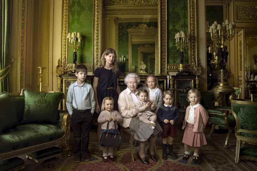 La princesse Charlotte, photo officielle des 90 ans de la reine Elizabeth II diffusée le 21 avril 2016