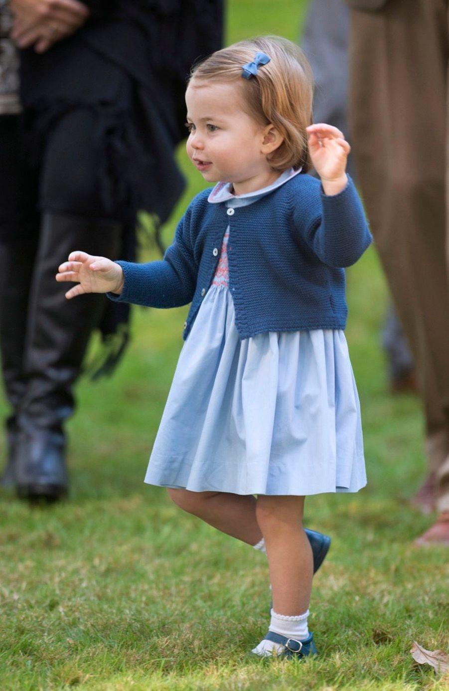 La princesse Charlotte, la fille de Kate Middleton et du prince William, à Victoria au Canada
