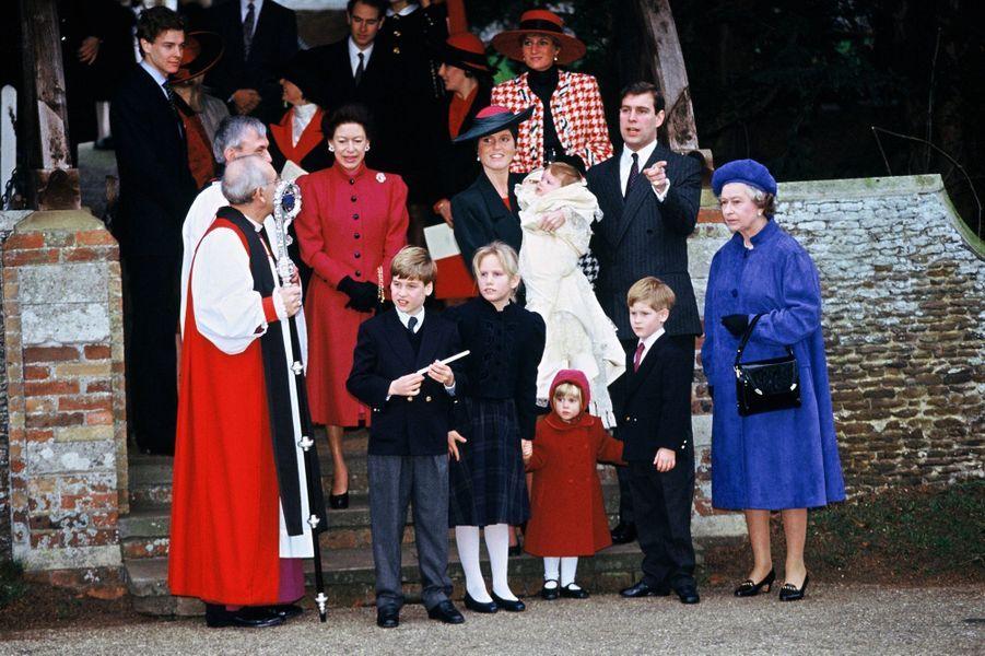 La princesse Eugenie d'York avec la famille royale britannique, le 23 décembre 1990, jour de son baptême