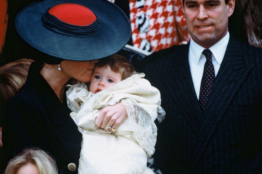 La princesse Eugenie d'York avec ses parents, le 23 décembre 1990, jour de son baptême