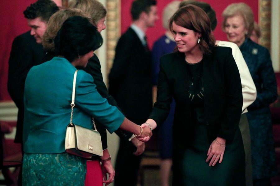 La princesse Eugenie d'York à Buckingham Palace, le 26 octobre 2015
