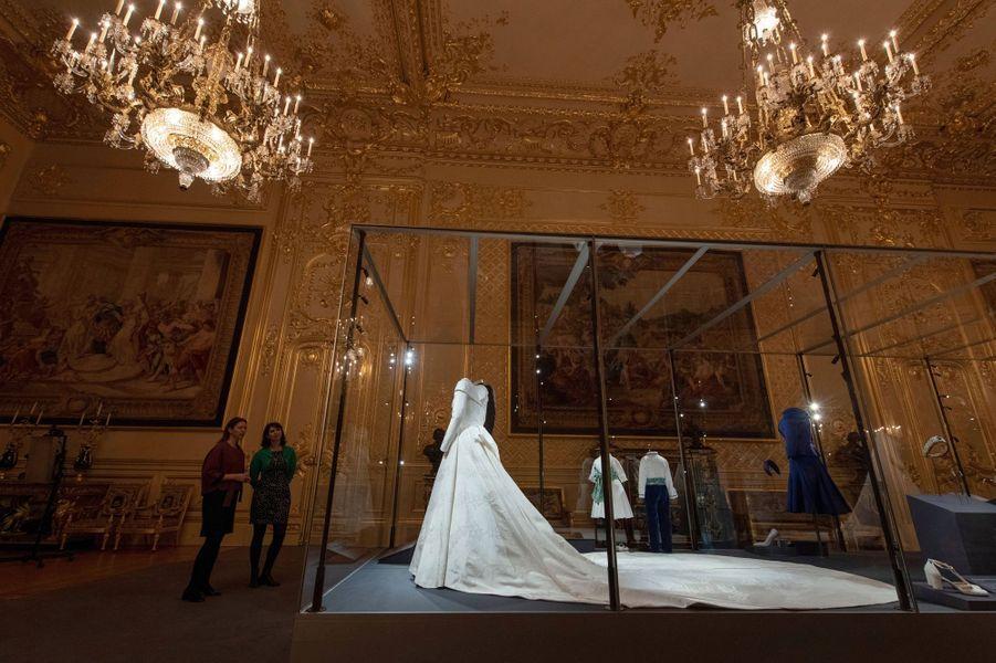La superbe robe de mariée de la princesse Eugenie d'York exposée à Windsor, le 28 février 2019