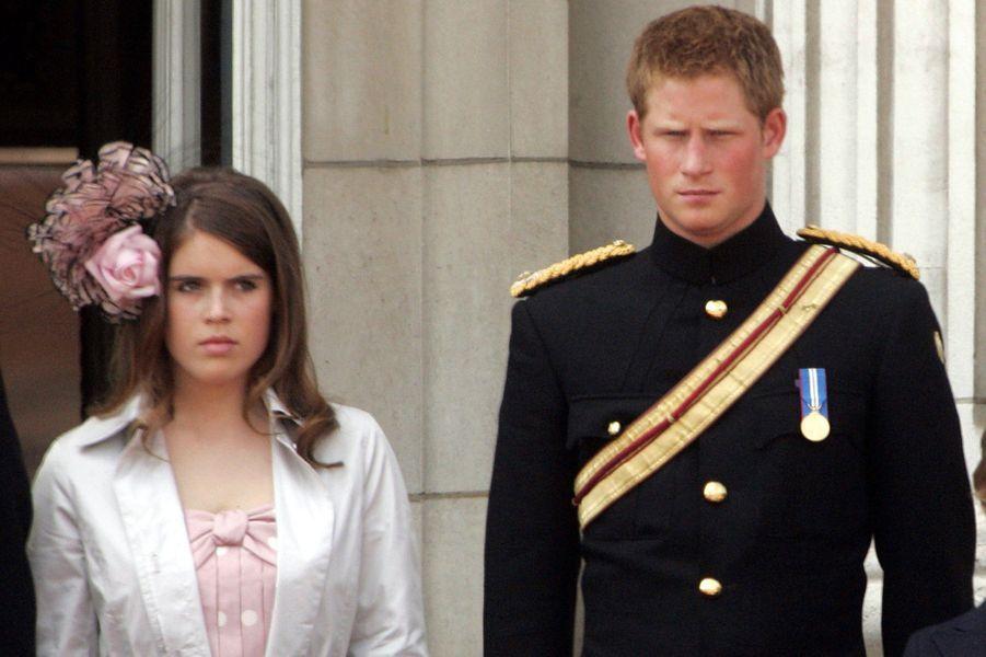 Le prince Harry et la princesse Eugenie à Londres en 2006.