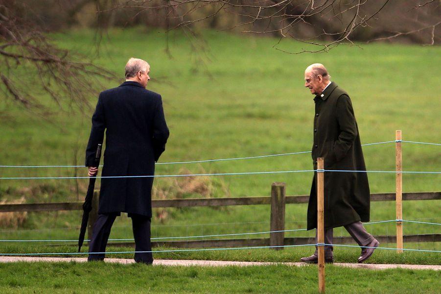 Les princes Philip et Andrew à Sandringham, le 24 janvier 2016