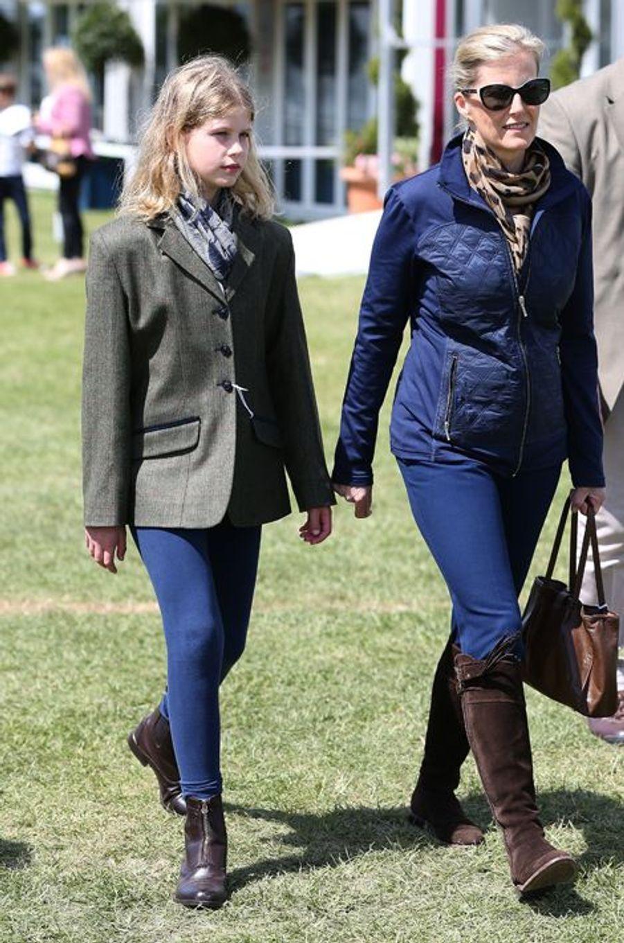 La comtesse Sophie de Wessex et sa fille Louise au Royal Windsor Horse Show, le 16 mai 2015