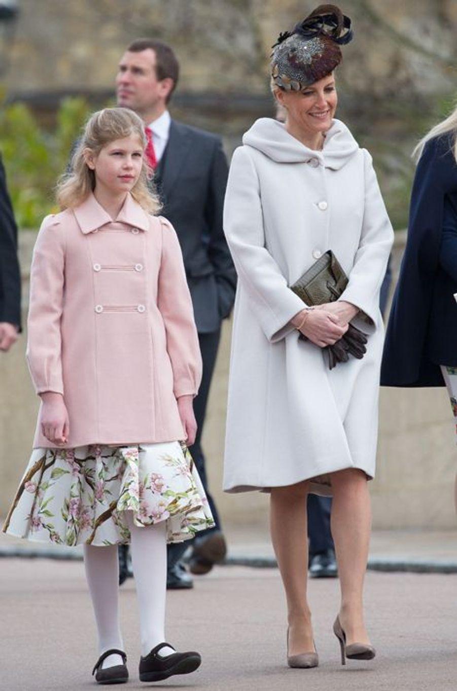 Sophie de Wessex et sa fille Louise à Windsor, le 5 avril 2015