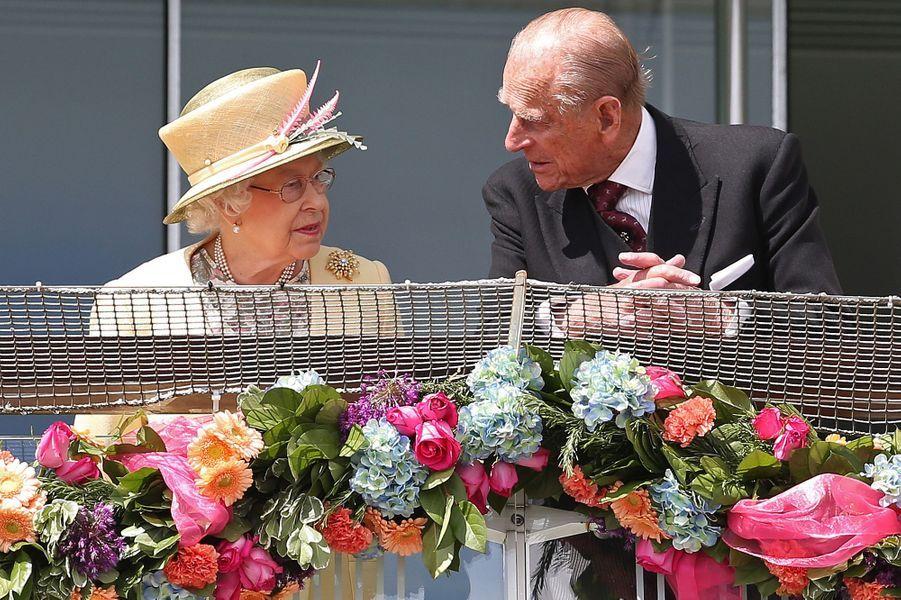 La reine Elizabeth II au Derby d'Epsom, avec le prince Philip, le 6 juin 2015