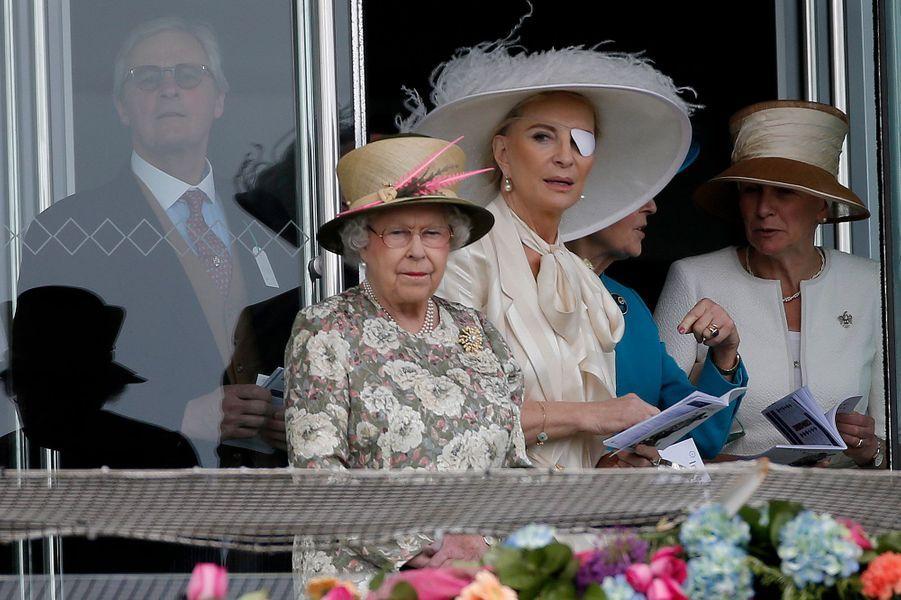 La reine Elizabeth II au Derby d'Epsom, avec Marie-Christine de Kent, le 6 juin 2015