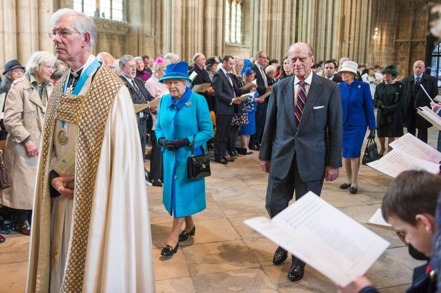 La reine Elizabeth II et le duc d'Edimbourg dans la cathédrale de Canterbury, le 26 mars 2015