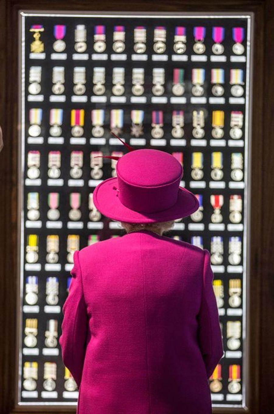 La reine Elizabeth II à Innsworth, le 5 novembre 2015