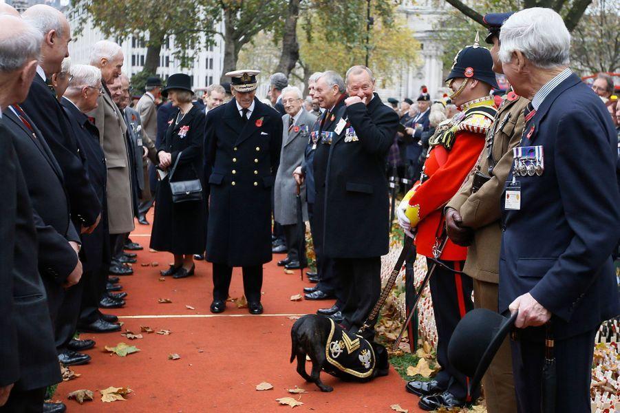 Le prince Philip devant Westminster Abbey à Londres, le 5 novembre 2015