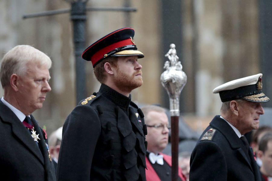 Les princes Harry et Philip devant Westminster Abbey à Londres, le 5 novembre 2015
