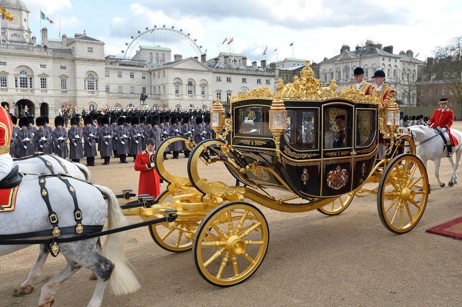 Retour à Buckingham palace en carrosse, le 3 mars 2015