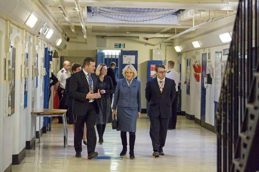 La duchesse de Cornouailles Camilla à la prison de Brixton à Londres, le 4 février 2016