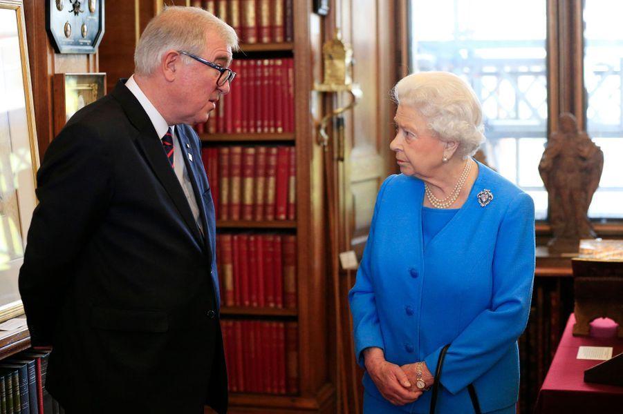 """La reine Elizabeth II lance le """"projet George III"""" au château de Windsor, le 1er avril 2015"""