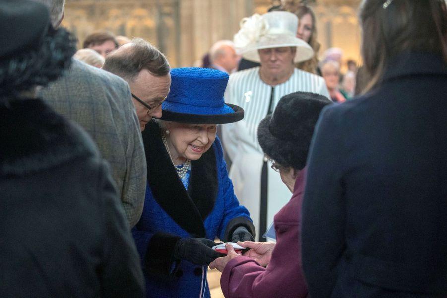 La Reine D'Angleterre Au Maundy Service À Windsor 14