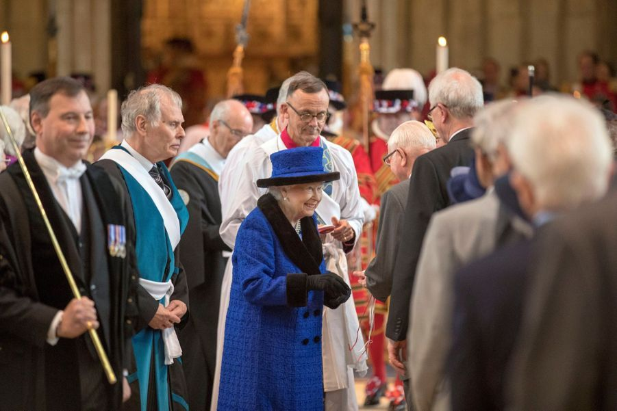 La Reine D'Angleterre Au Maundy Service À Windsor 17