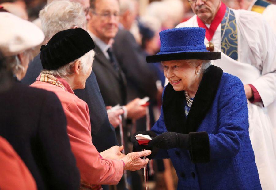 La Reine D'Angleterre Au Maundy Service À Windsor 4