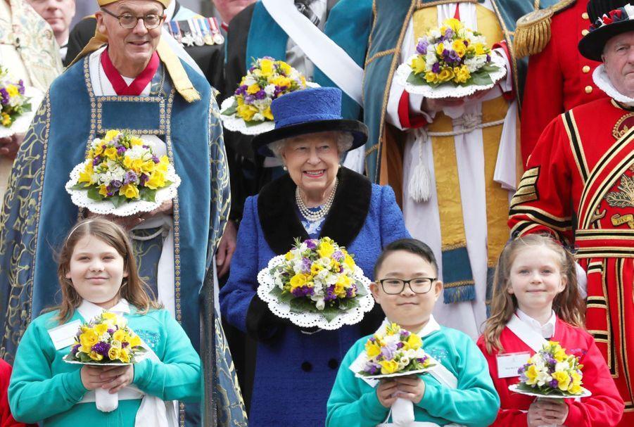 La Reine D'Angleterre Au Maundy Service À Windsor 6