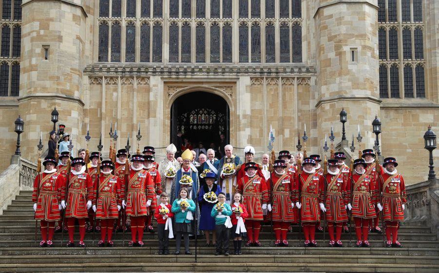 La Reine D'Angleterre Au Maundy Service À Windsor 7