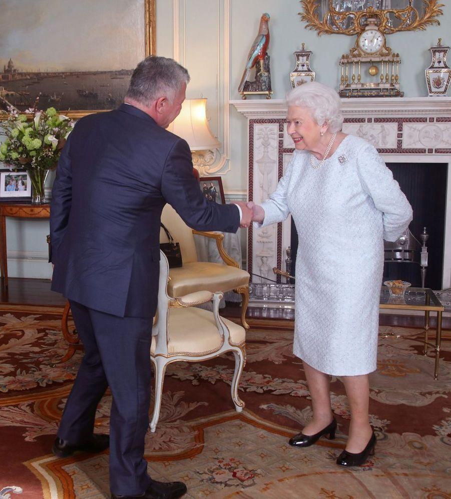 La reine Elizabeth II avec le roi Abdallah II de Jordanie à Londres, le 28 février 2019