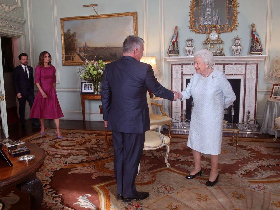 La reine Elizabeth II avec le roi Abdallah II de Jordanie, la reine Rania et le prince Hussein à Londres, le 28 février 2019