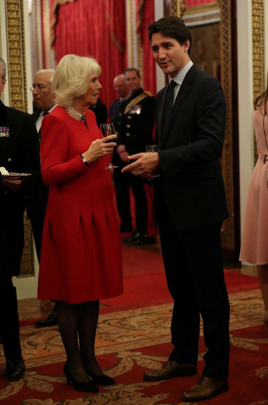 La duchesse de Cornouailles Camilla avec le Premier ministre canadien Justin Trudeau à Londres, le 3 décembre 2019