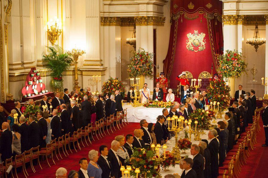 Le banquet donné par la reine Elizabeth II en l'honneur du président de la République de Singapour et son épouse à Londres le 21 octobre 2014
