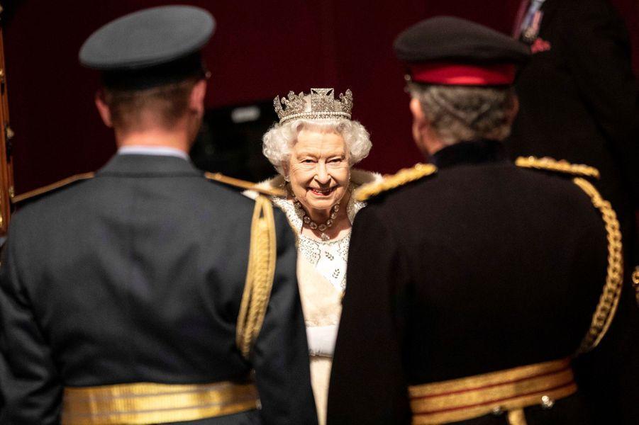 La reine Elizabeth II au Parlement à Londres, le 14 octobre 2019