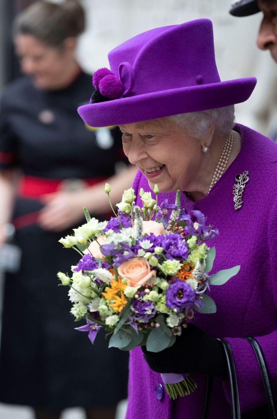 Le chapeau de la reine Elizabeth II à Londres, le 19 février 2020