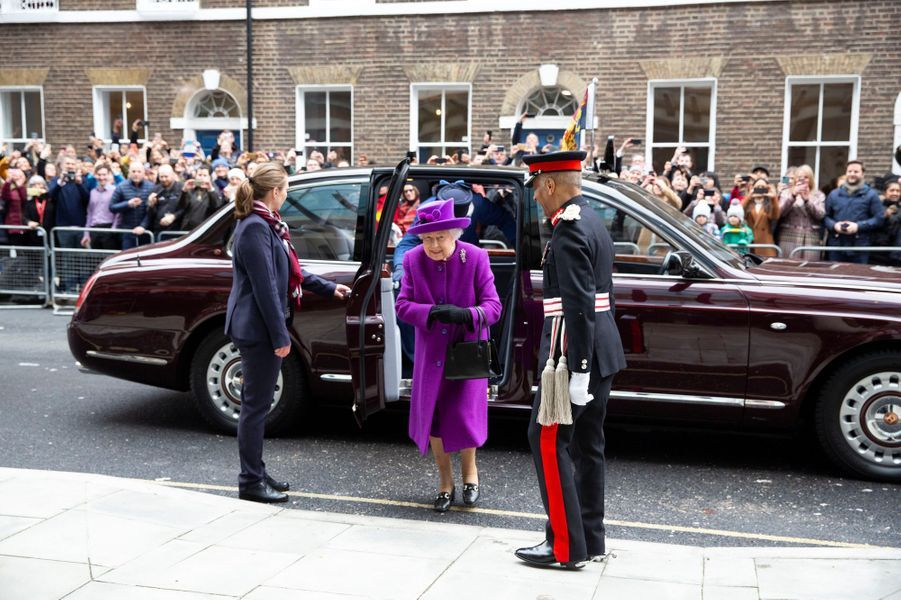 La reine Elizabeth II à son arrivée pour une inauguration à Londres, le 19 février 2020