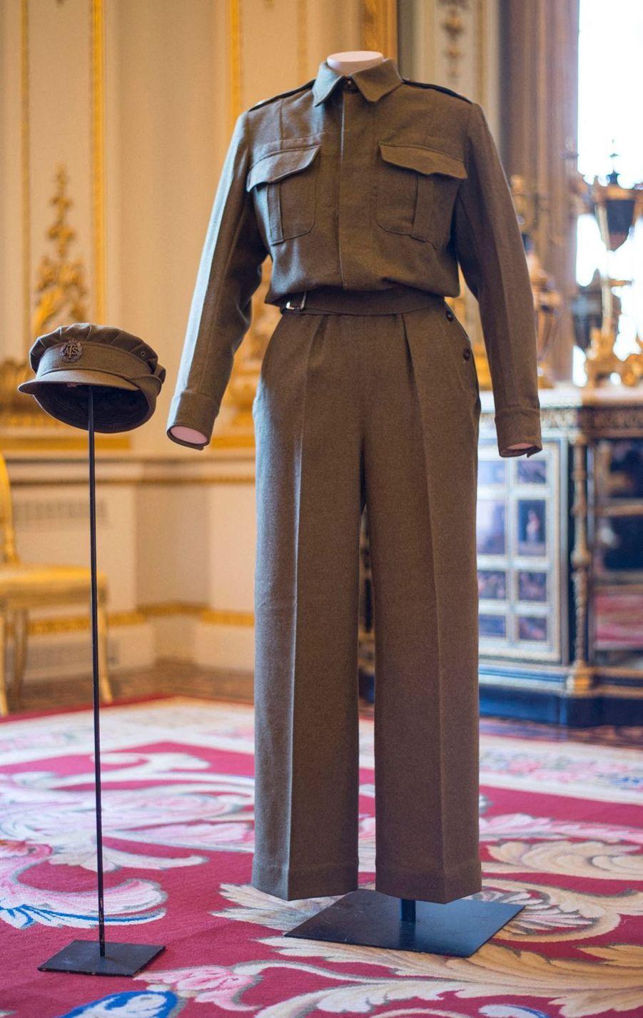 L'uniforme de 1945 de la princesse Elizabeth, photographié le 4 juillet 2016