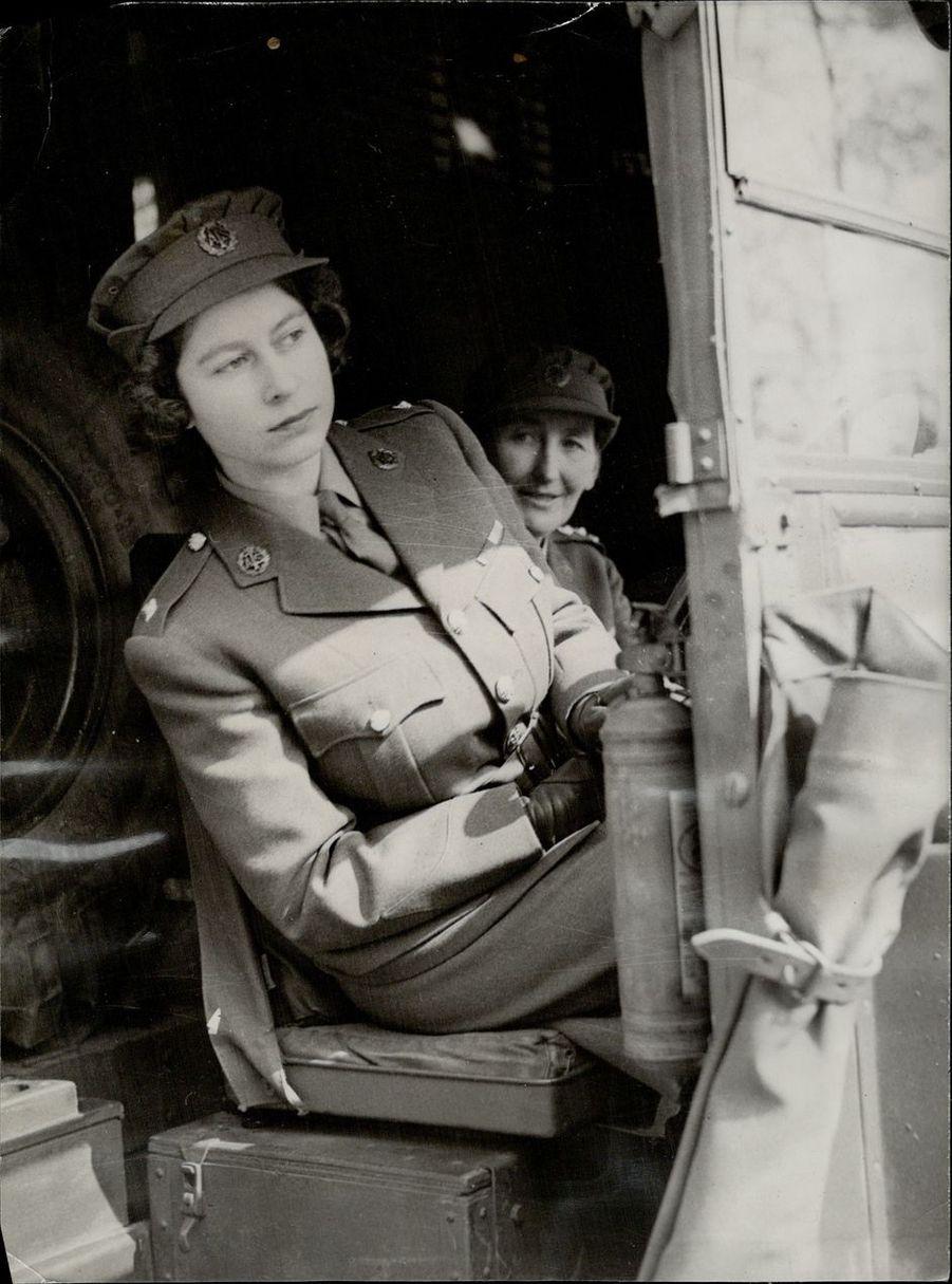 La princesse Elizabeth en avril 1945