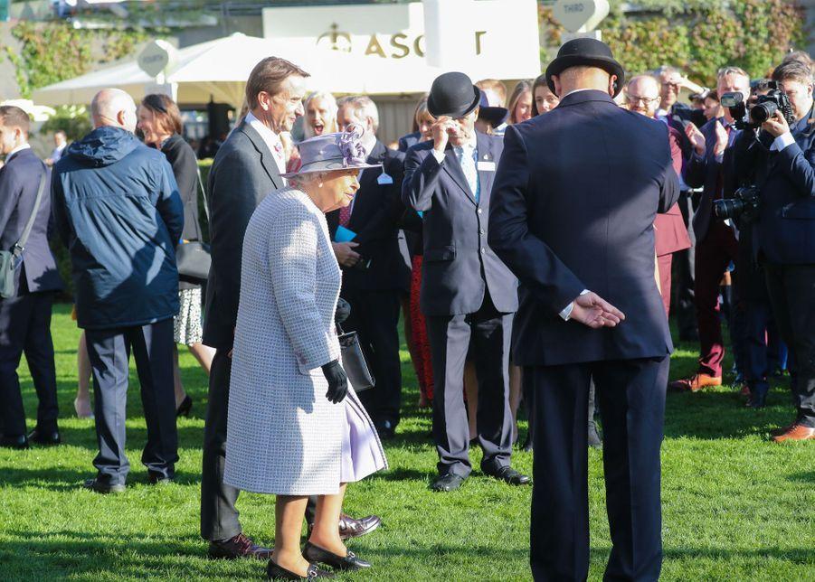 La reine Elizabeth II aux courses à Ascot, le 19 octobre 2019