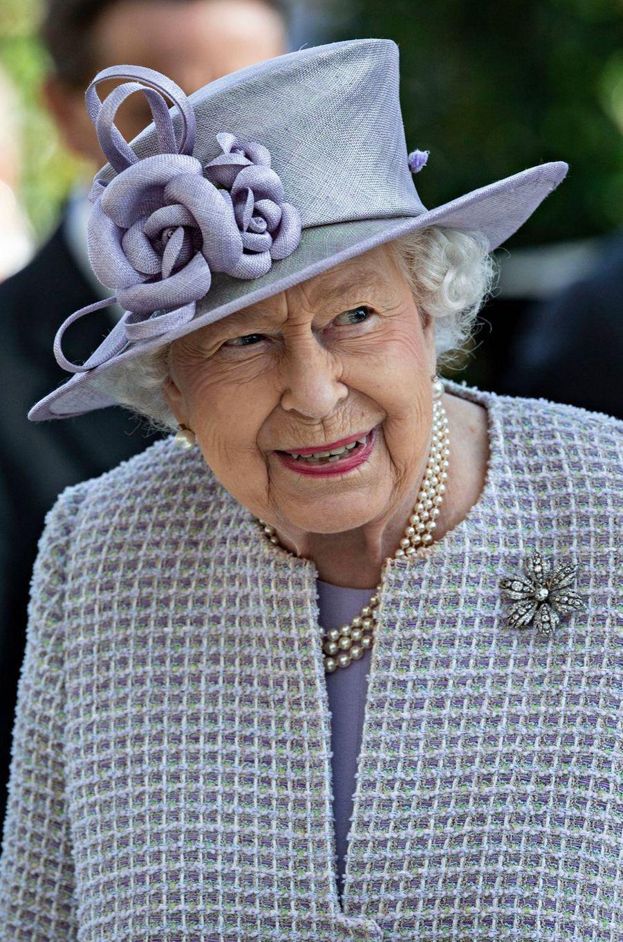 La reine Elizabeth II sur l'hippodrome d'Ascot, le 19 octobre 2019
