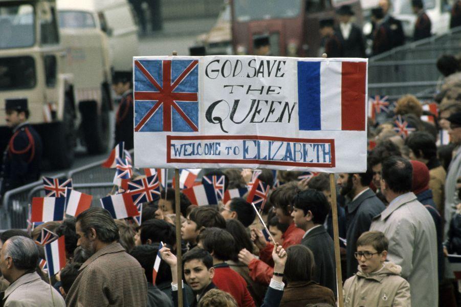 La reine Elizabeth II, très attendue pour sa visite officielle en France, en mai 1972