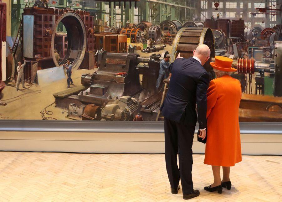 La reine Elizabeth II au Science Museum à Londres, le 7 mars 2019