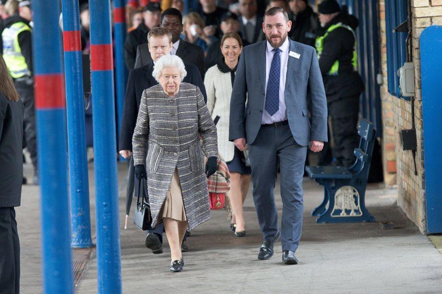 La reine Elizabeth II à la gare de King's Lynn dans le Norfolk, le 11 février 2019