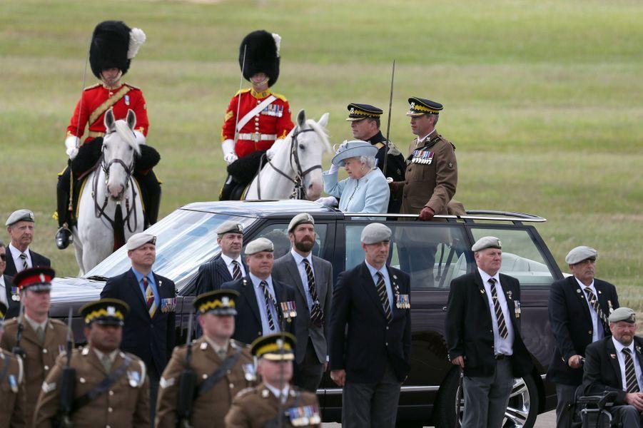 La reine Elizabeth II sur la base militaire de Leuchars à Fife, le 5 juillet 2018