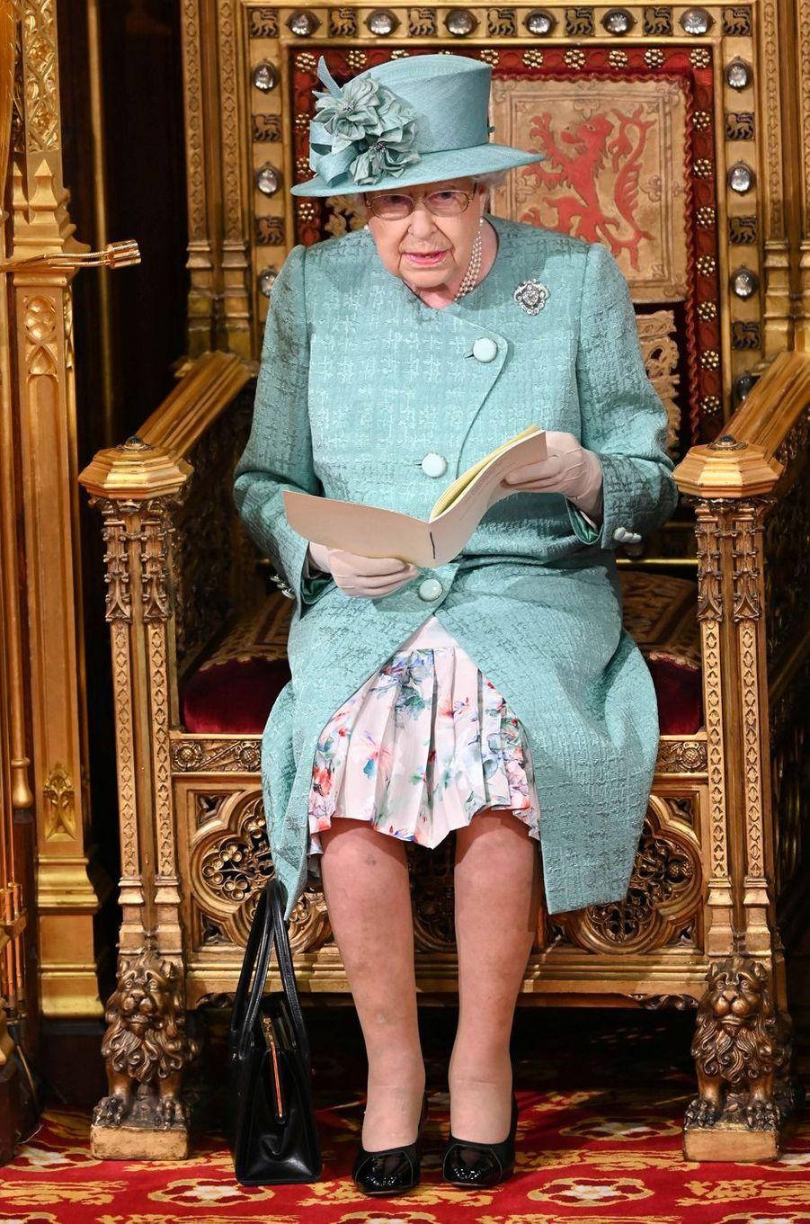La reine Elizabeth II et le prince Charles au Parlement à Londres, le 19 décembre 2019