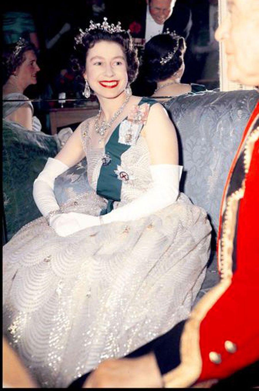 Lors d'un bal à Hyde Park, en 1959