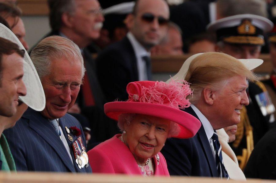La reine Elizabeth II avec le prince Charles, Emmanuel Macron et Donald Trump à Portsmouth, le 5 juin 2019