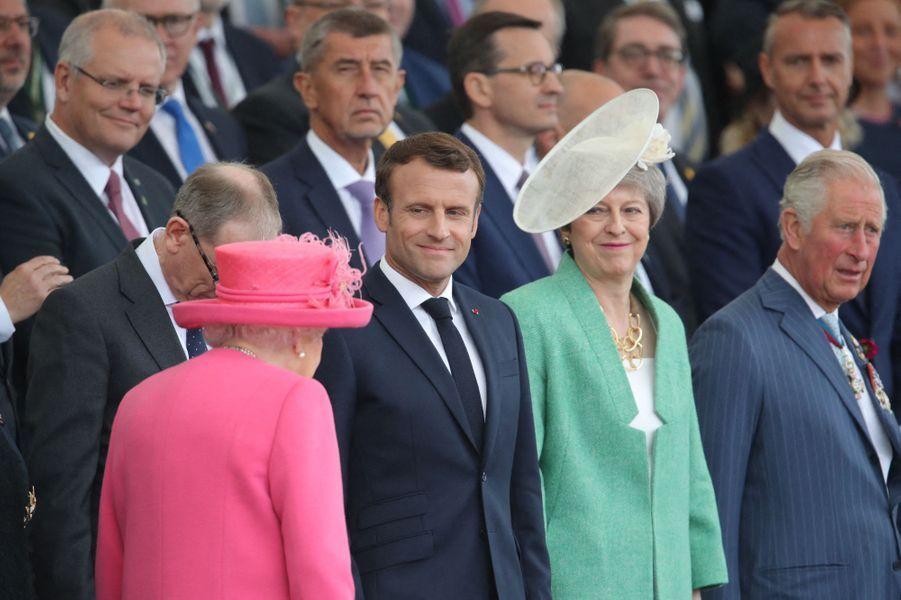La reine Elizabeth II rejoint les chefs d'Etat et de gouvernement à Portsmouth, le 5 juin 2019