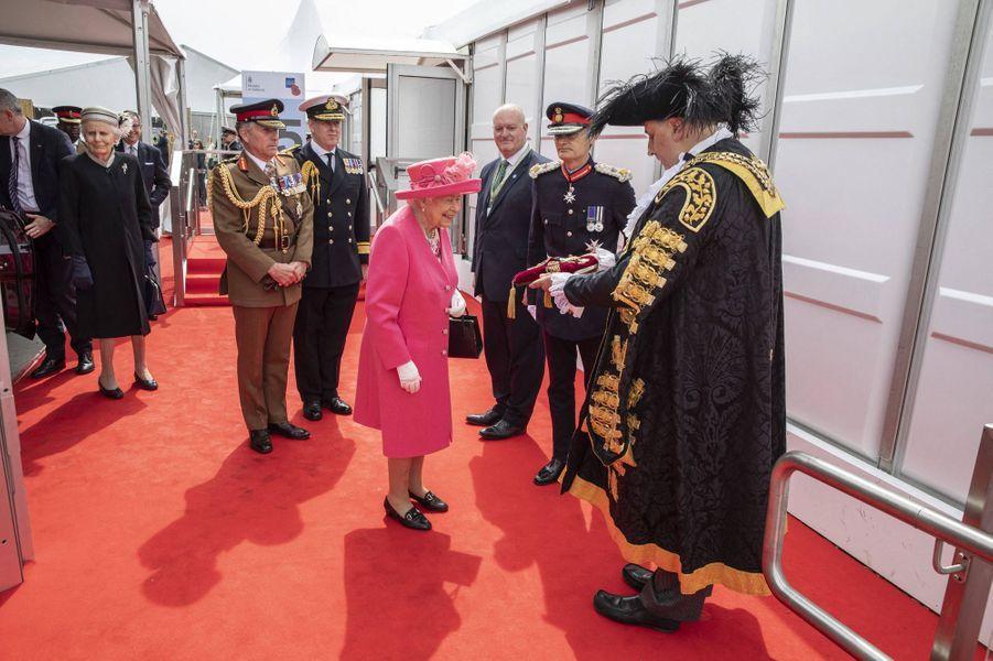 La reine Elizabeth II reçoit les clés de Portsmouth, le 5 juin 2019