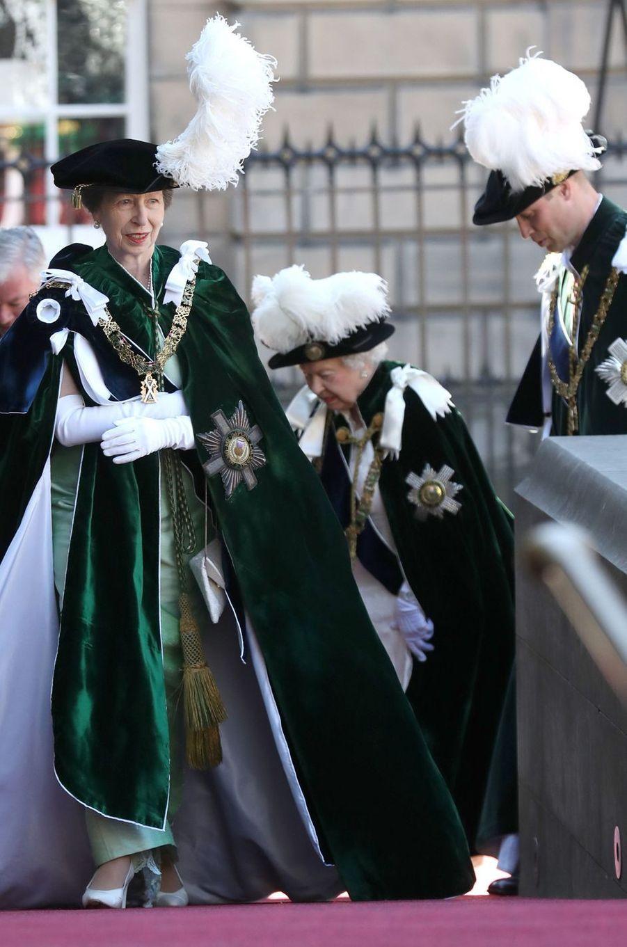 La princesse Anne, la reine Elizabeth II et le prince William à Edimbourg, le 6 juillet 2018