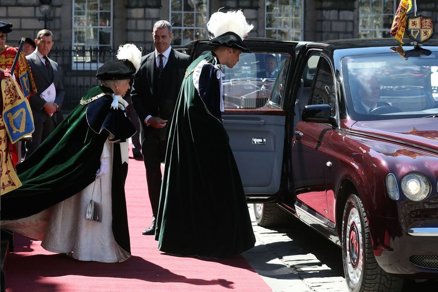 La reine Elizabeth II et le prince William à Edimbourg, le 6 juillet 2018