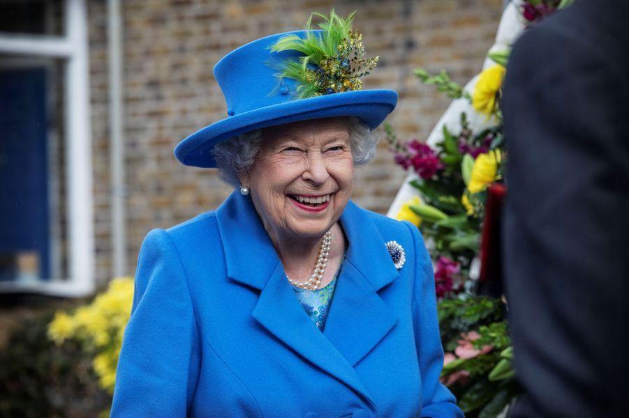 La reine Elizabeth II dans le quartier de Morden à Londres, le 11 octobre 2019